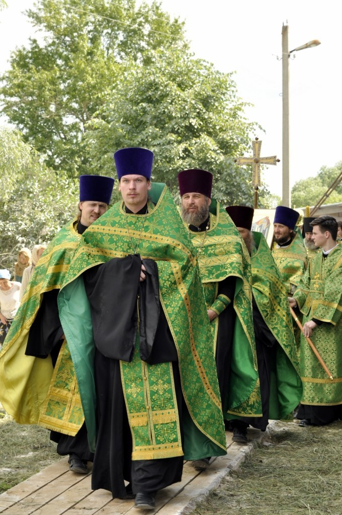 Архиерейское богослужение в Свято-Духовском храме села Шкинь