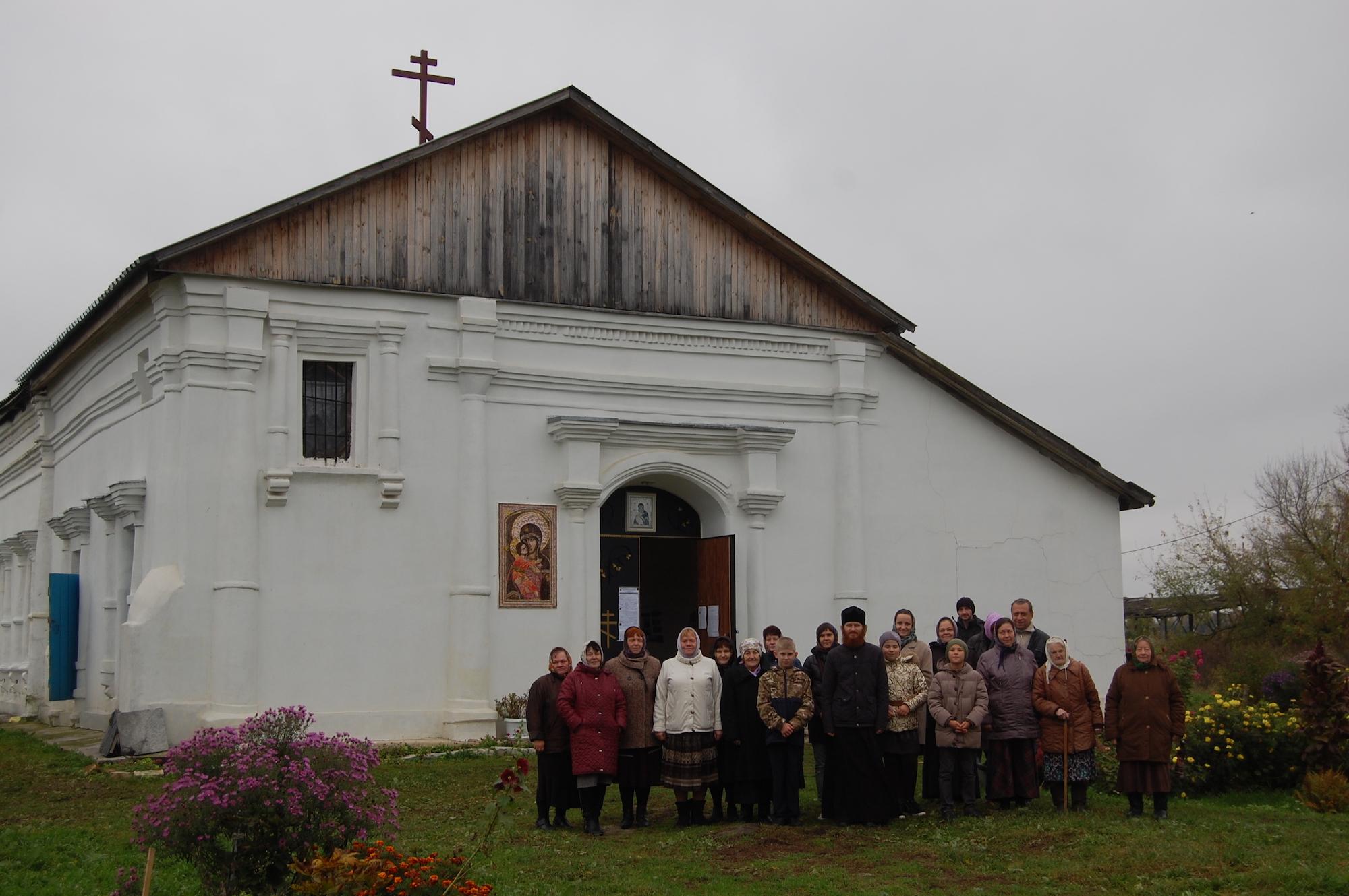 Освящение креста во Владимирском храме поселка Индустрия