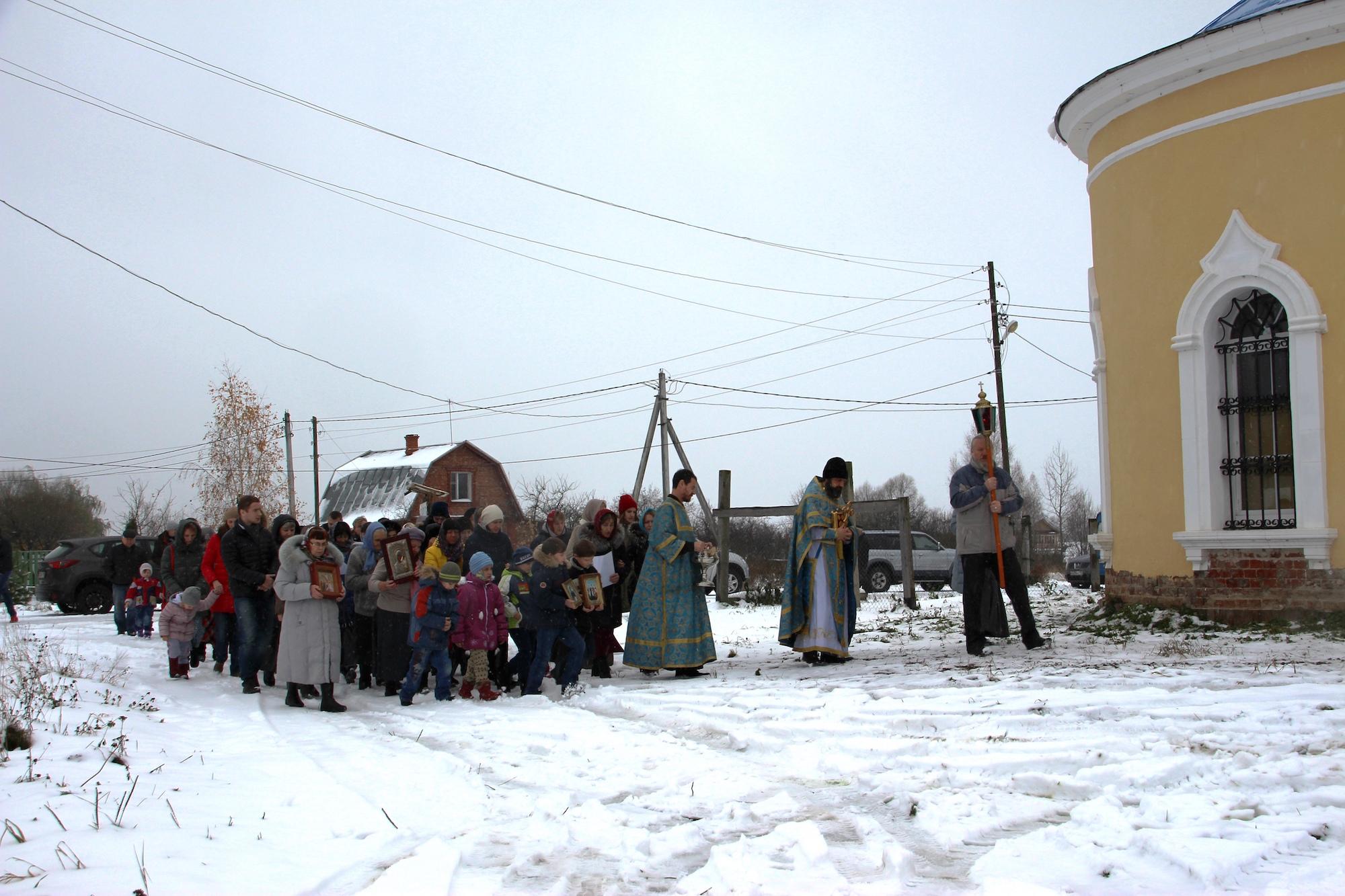 Престольный праздник Казанского храма деревни Грайвороны