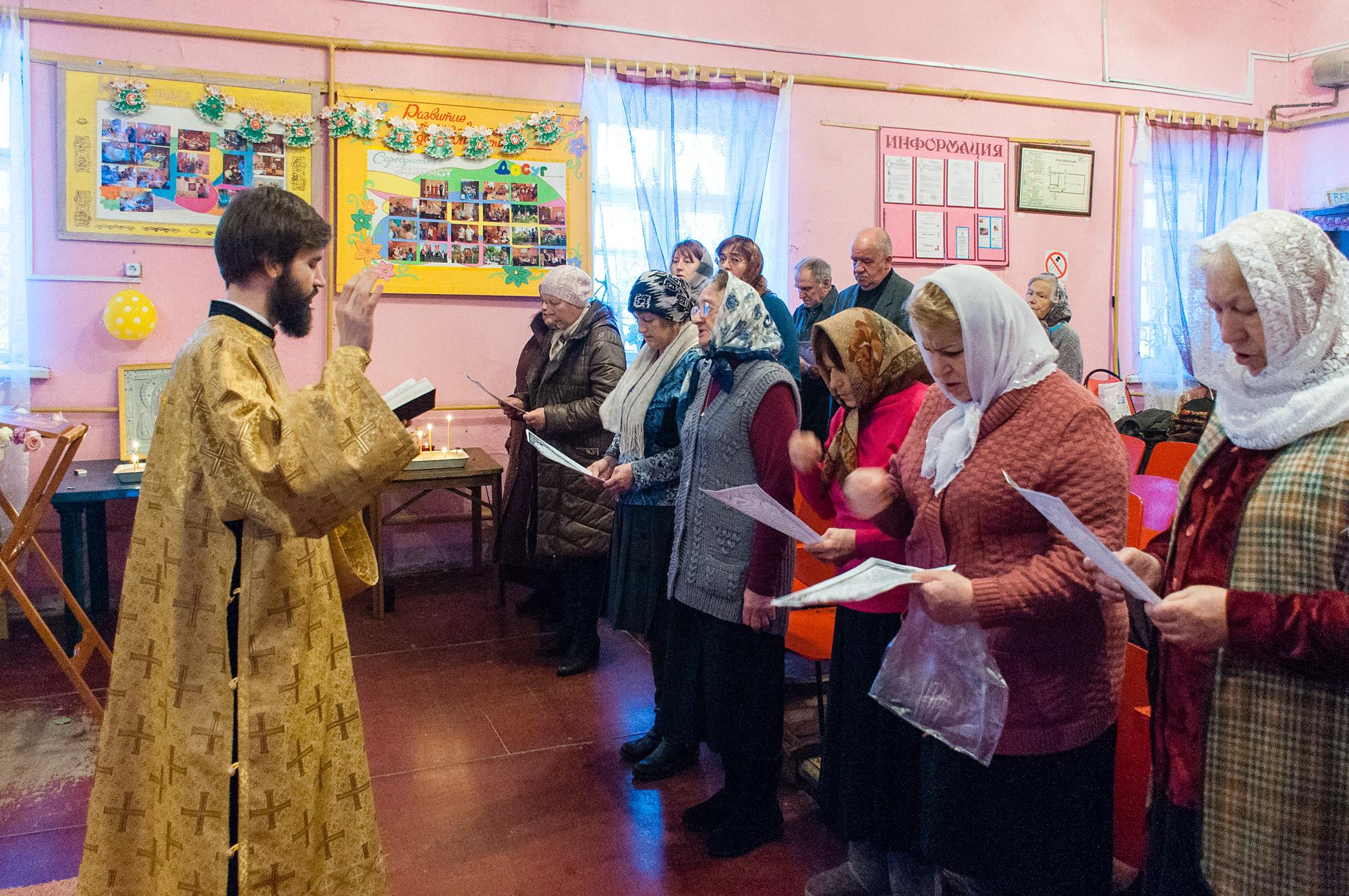 Божественная литургия в селе Троицкие Озерки