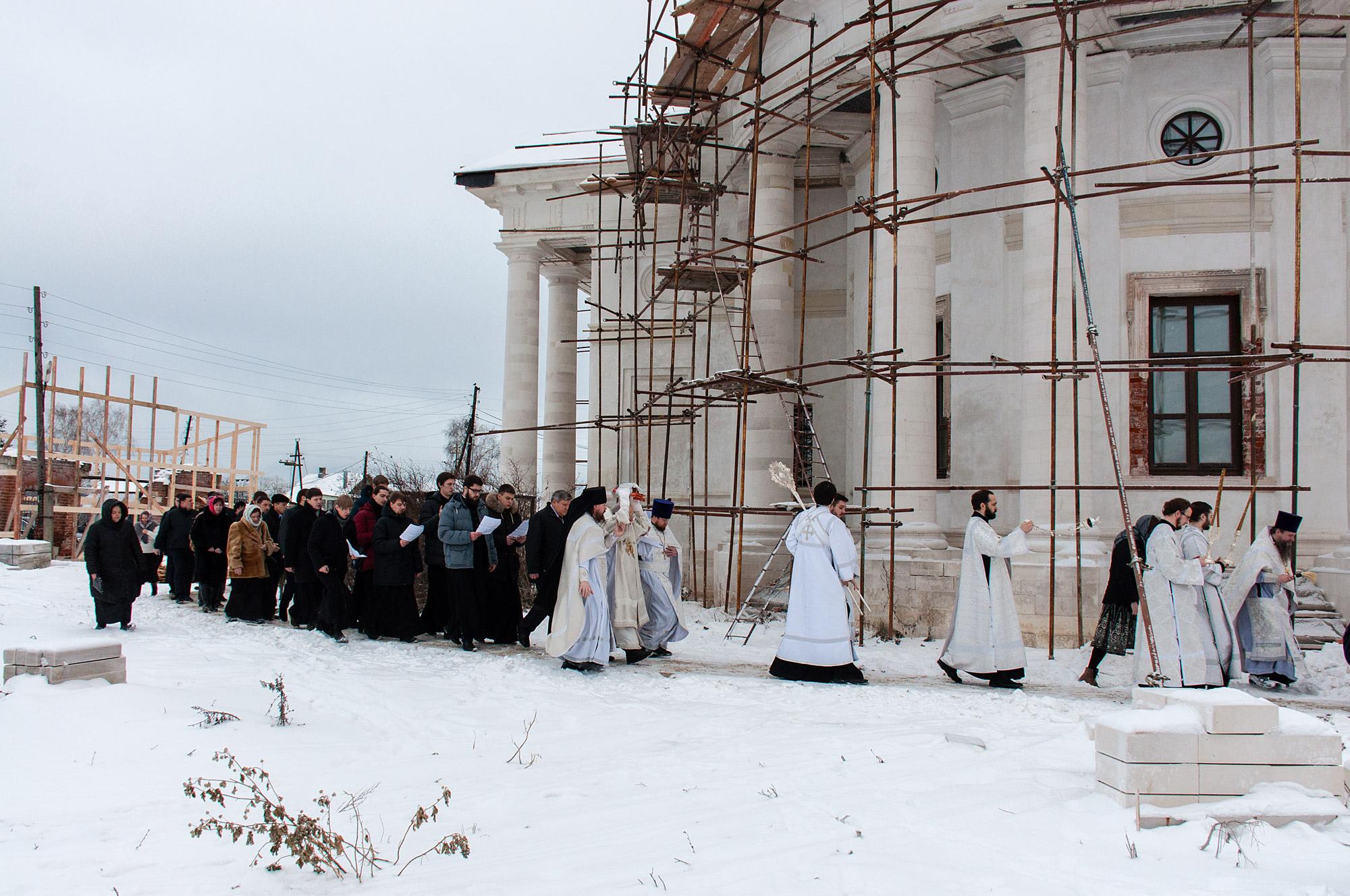 Великое освящение Никольского придела Свято-Духовского храма села Шкинь Коломенского района