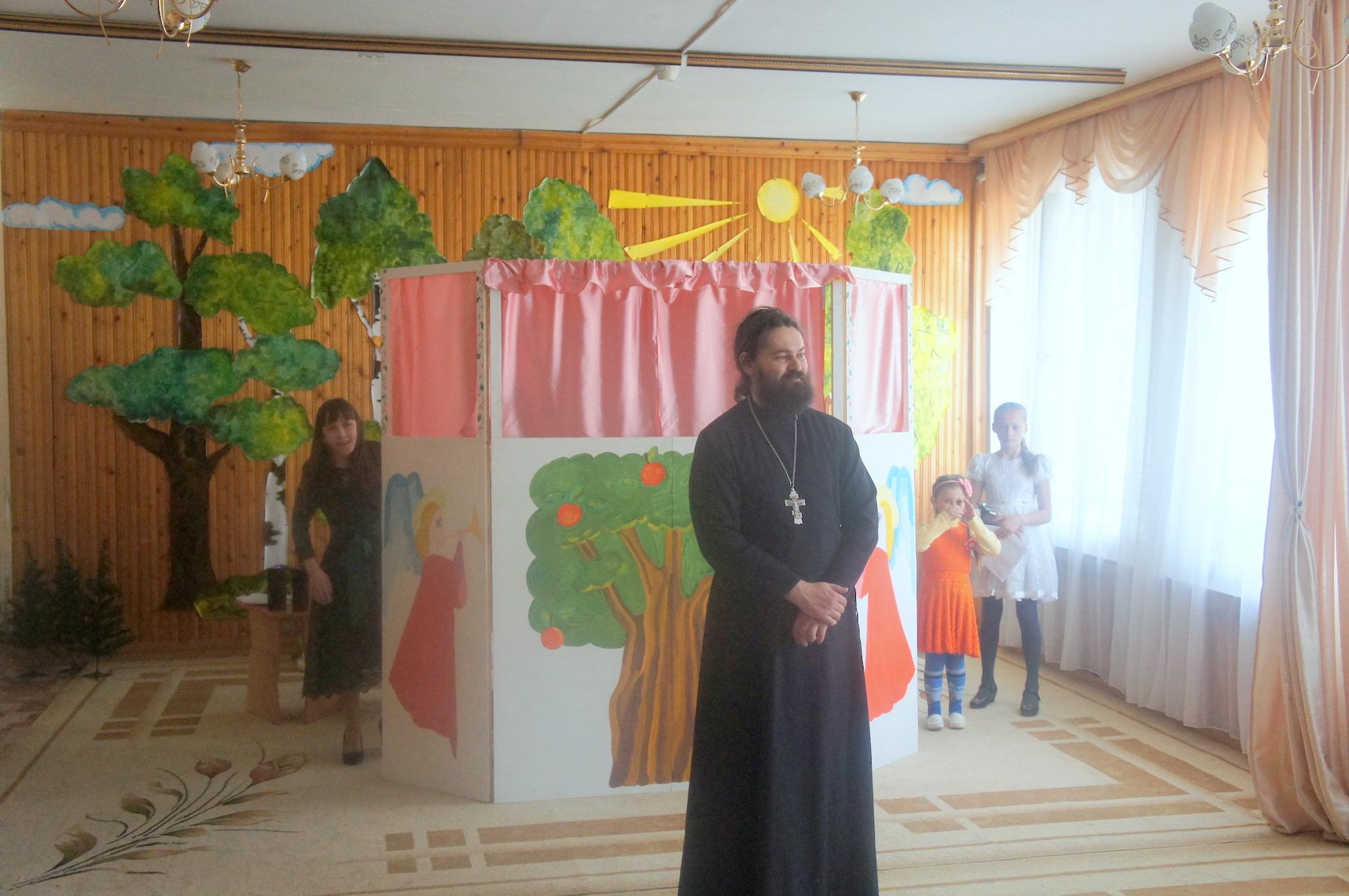 Пасхальный спектакль в детском саду № 19 «Светлячок» поселка Проводник