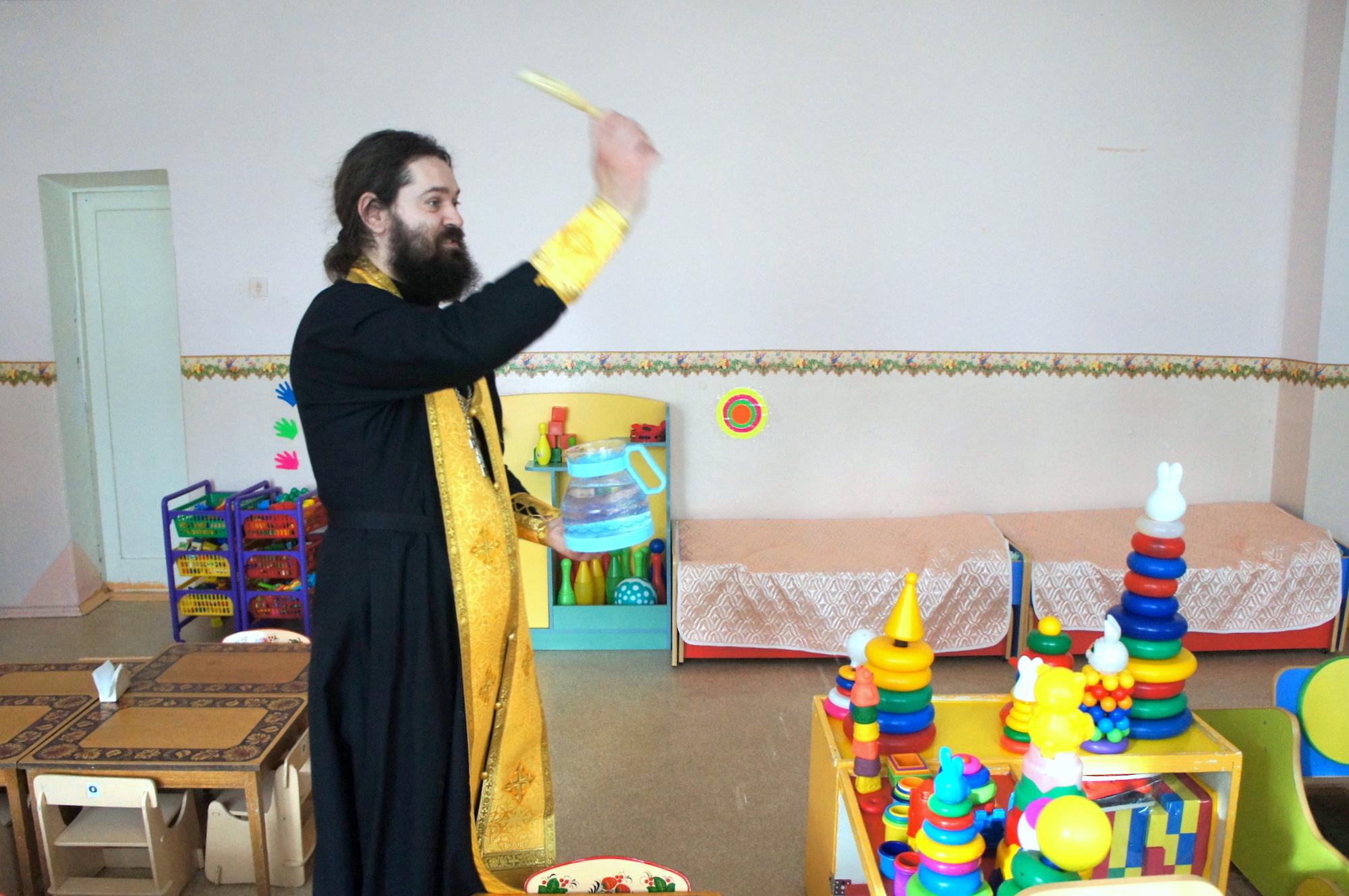 Пасхальный спектакль в детском саду № 18 «Светлячок» поселка Проводник