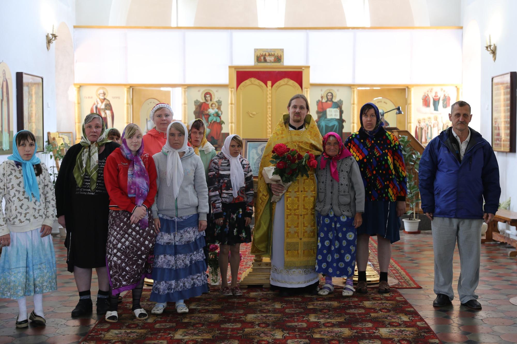 Гости в Покровском храме села Никульское