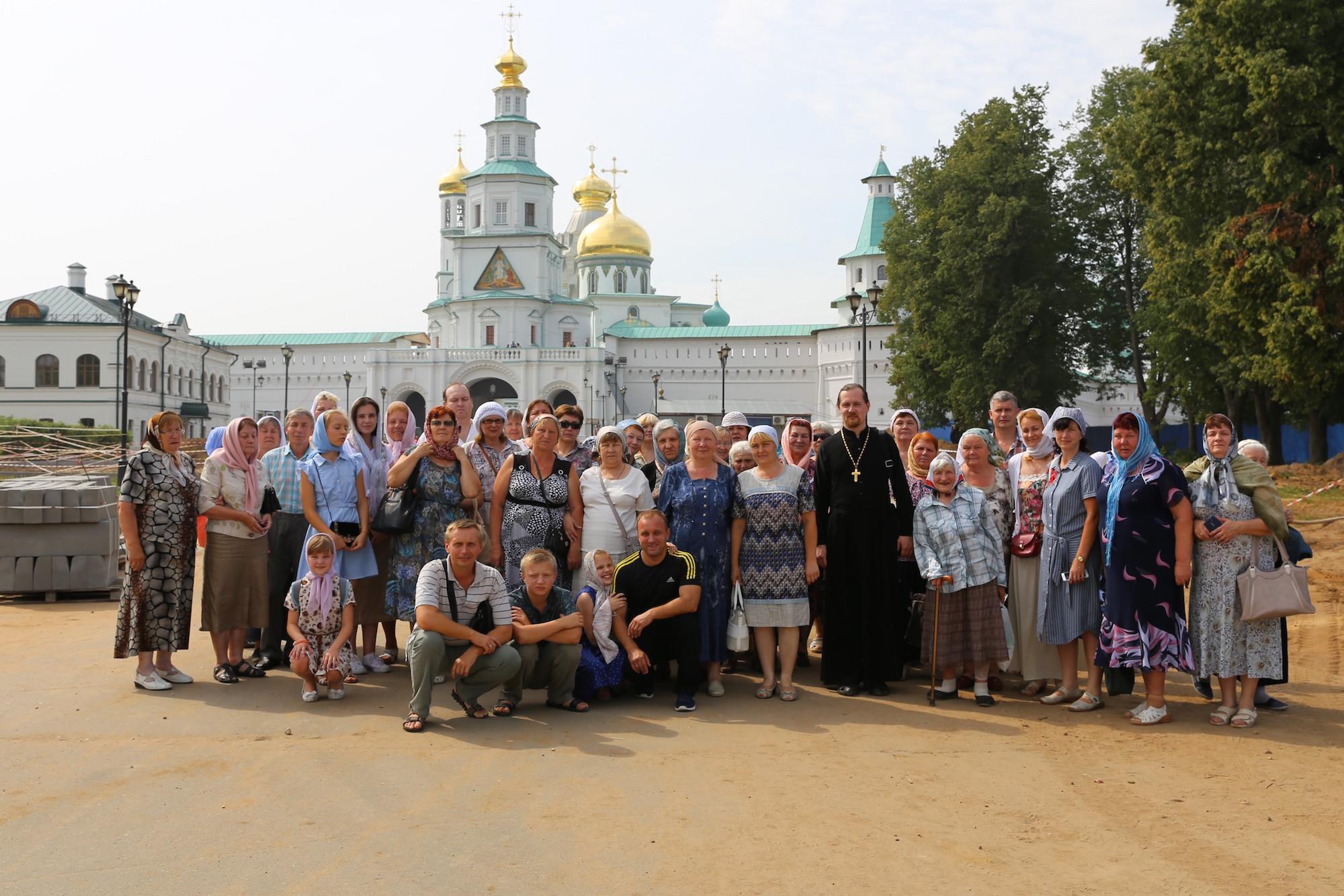 Паломничество прихожан Покровского храма села Никульское в Ново-Иерусалимский монастырь