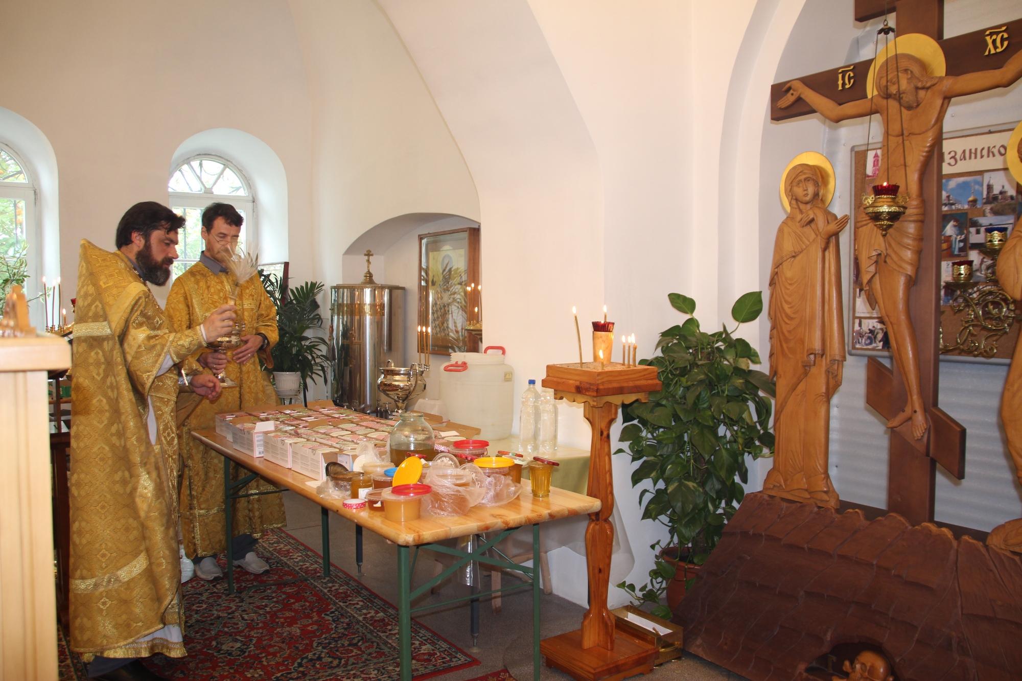 Происхождение Честных Древ Креста Господня на приходе Казанского храма деревни Грайвороны