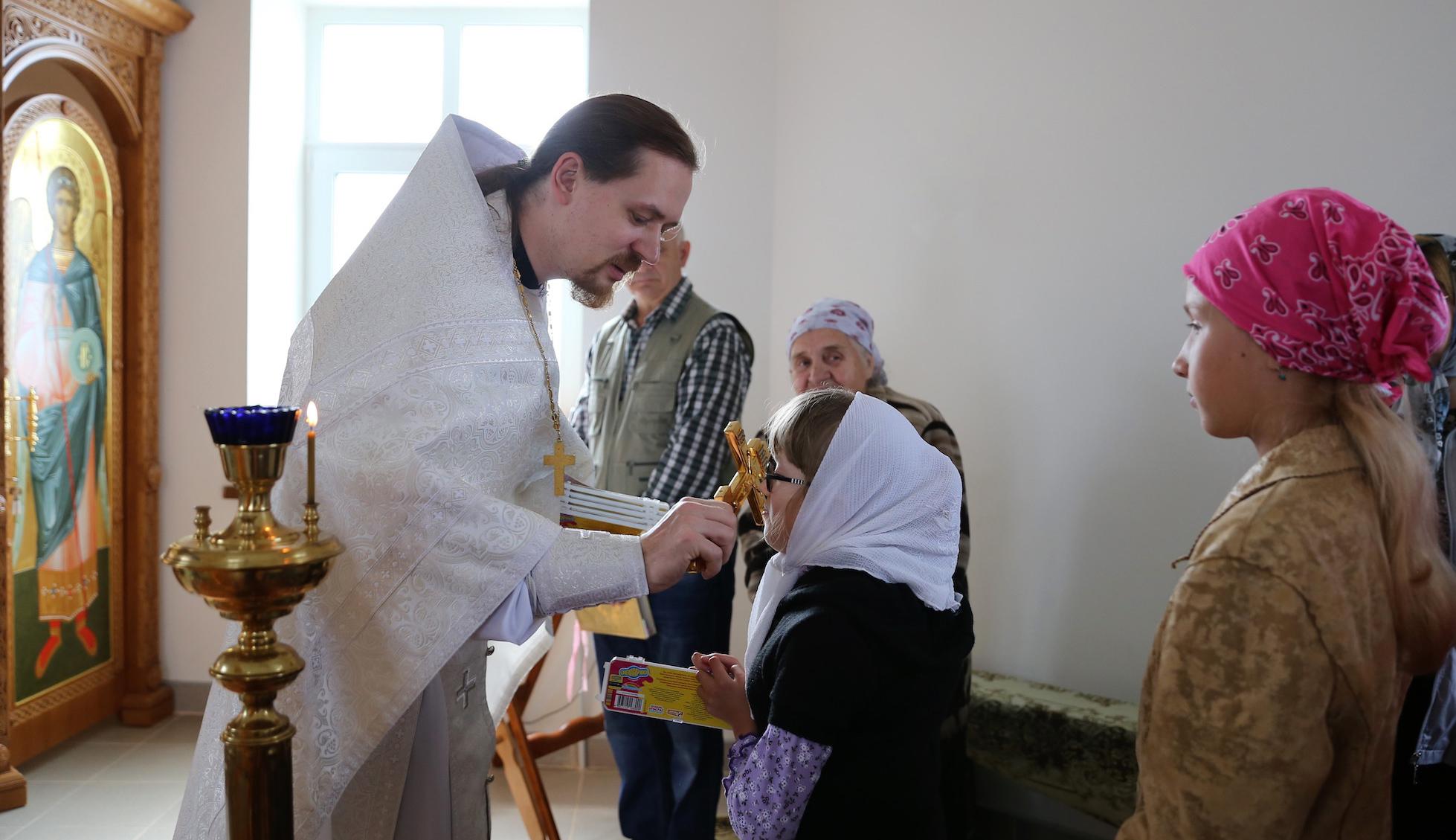 Молебен перед началом учебного года в деревне Молитвино