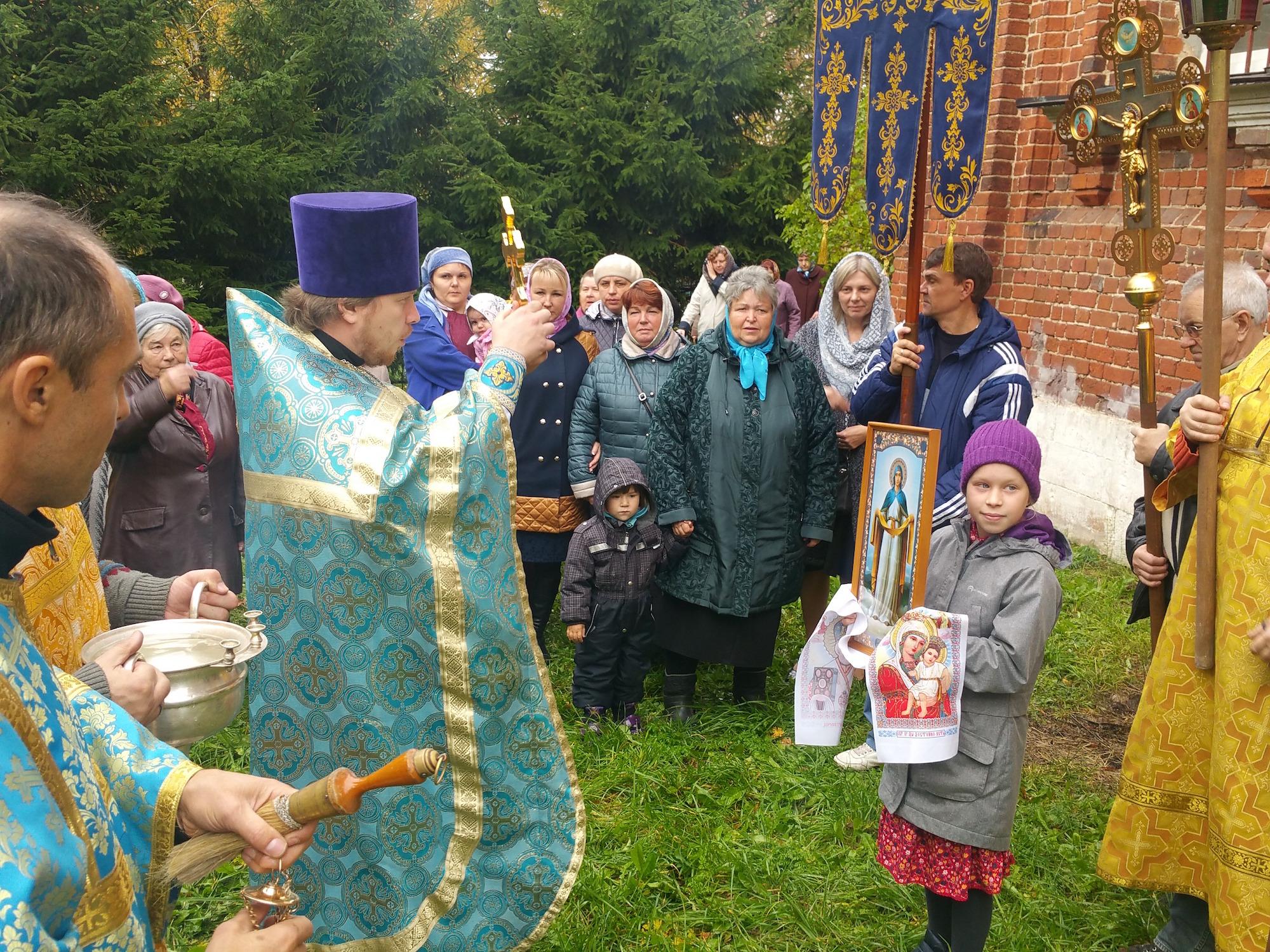 Престольный праздник в Покровском храме села Малое Карасево