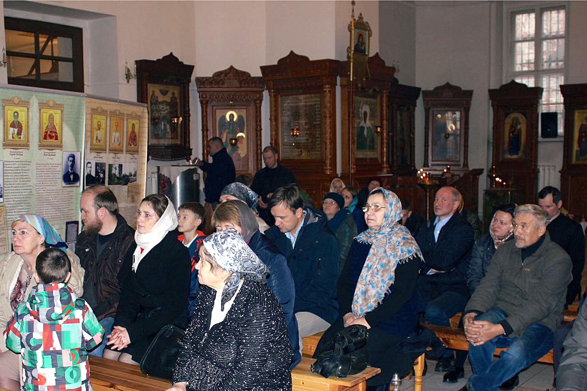Выставка о новомучениках Коломенских в Бобреневом монастыре