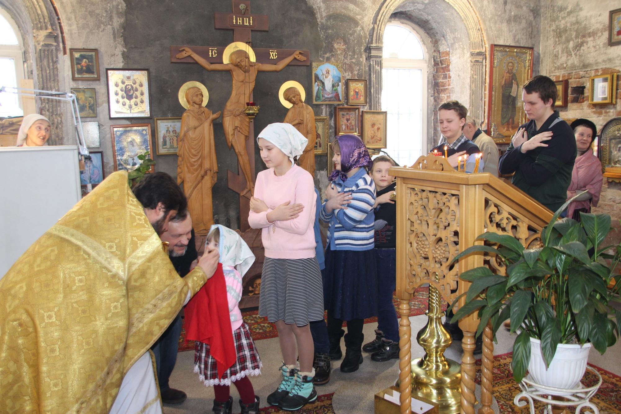 Масленица на приходе Казанского храма деревни Грайвороны