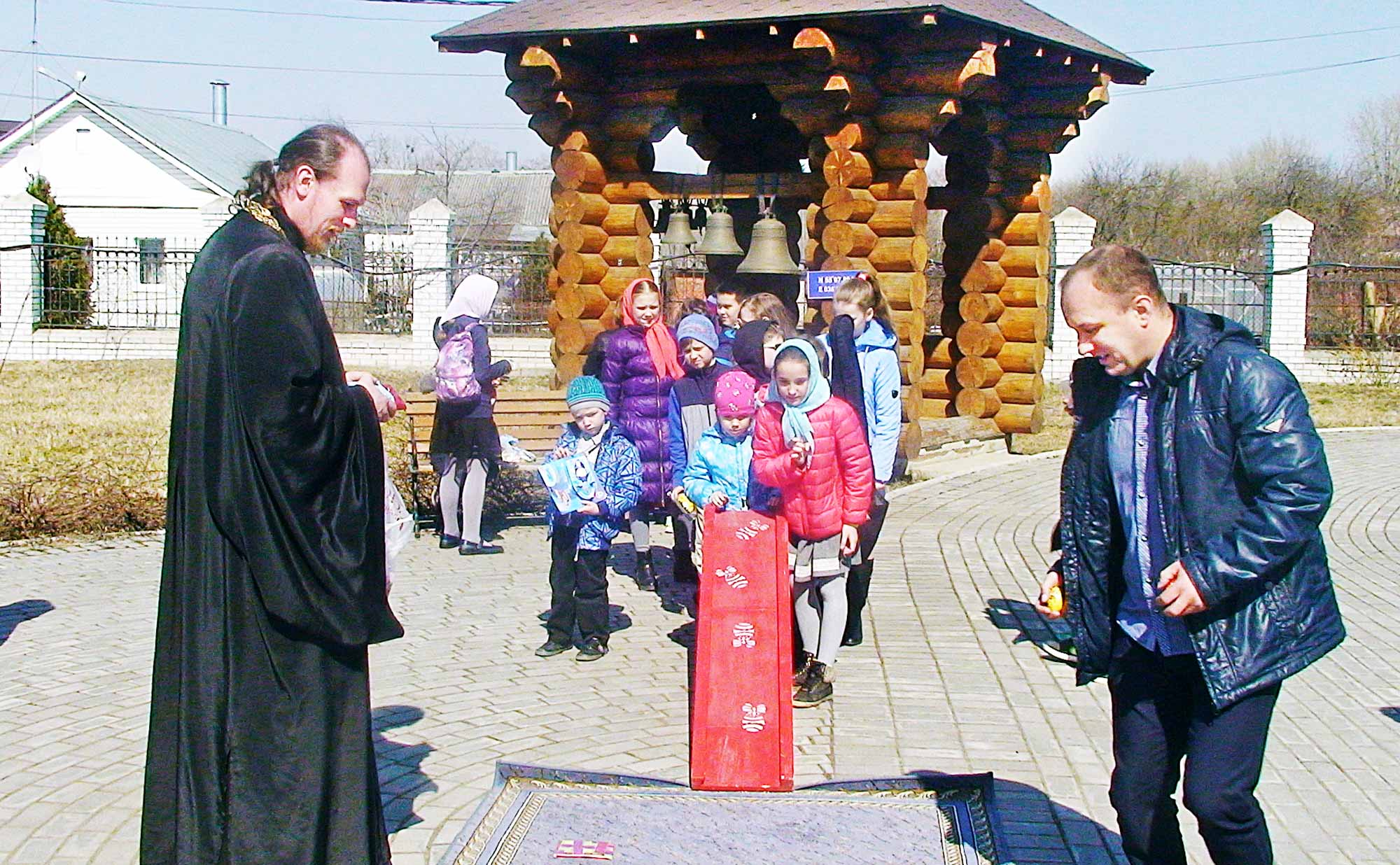 Пасха на приходе Казанского храма поселка Радужный