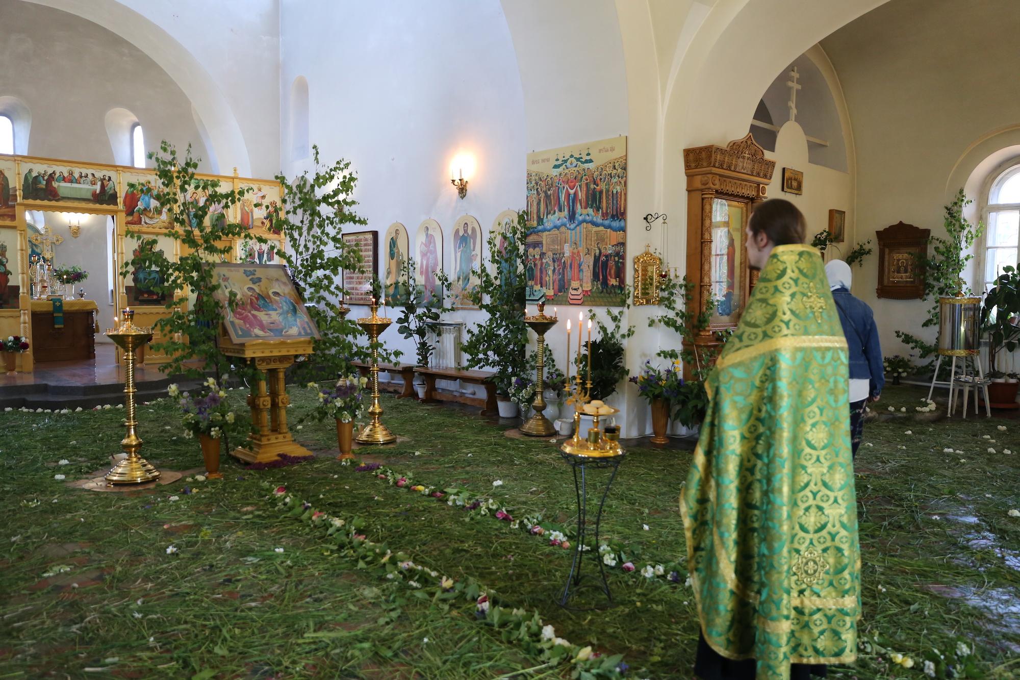 День Святой Троицы в Покровском храме села Никульское
